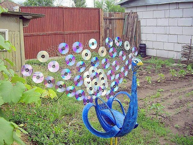 Garden Junk Ideas Old Tires Art Cds Tail Peacock Decoration