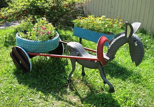 ideas garden decoracion reuse old tires carriage donkey drawn - Garden Ideas Using Tyres