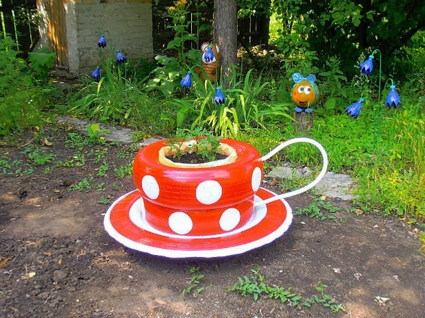 recycle tires garden decor ideas coffee cup flower bed - Garden Ideas Using Tyres
