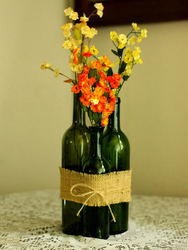 repurposed wine glass bottle flower vase burlap table centerpiece ideas
