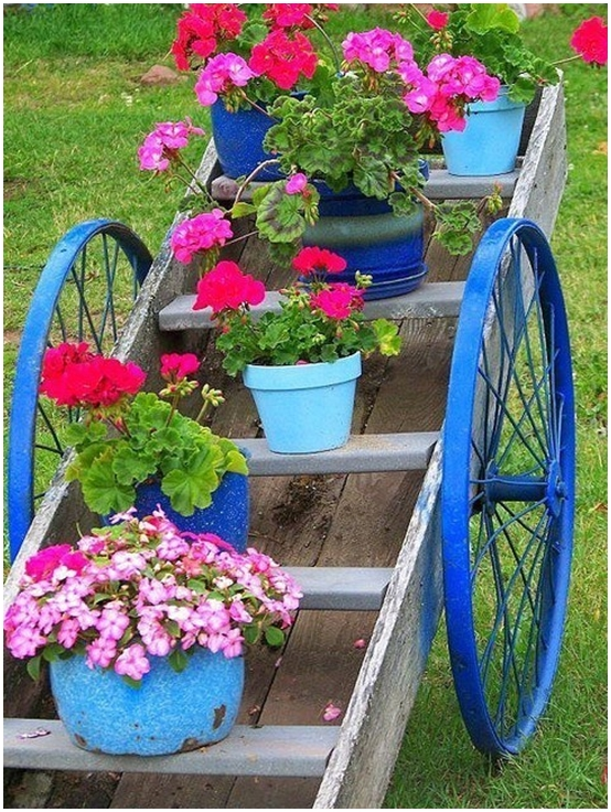 Garden Junk Ideas Flower Pots Old Ladder Wood Blue Paint Wheels
