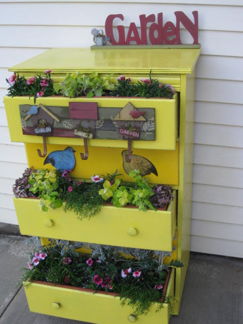 garden junk ideas old wooden chest of drawers reuse flower planter