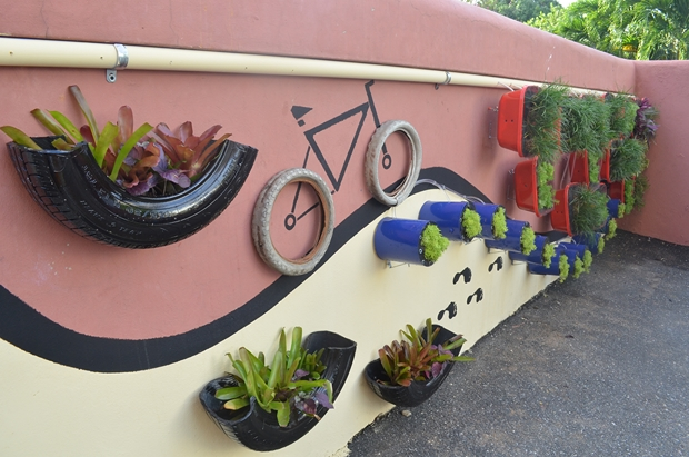 Garden Art Ideas garden junk ideas wall art bicycle tires vertical planters tin can Garden Junk Ideas Wall Art Bicycle Tires Vertical Planters Tin Can