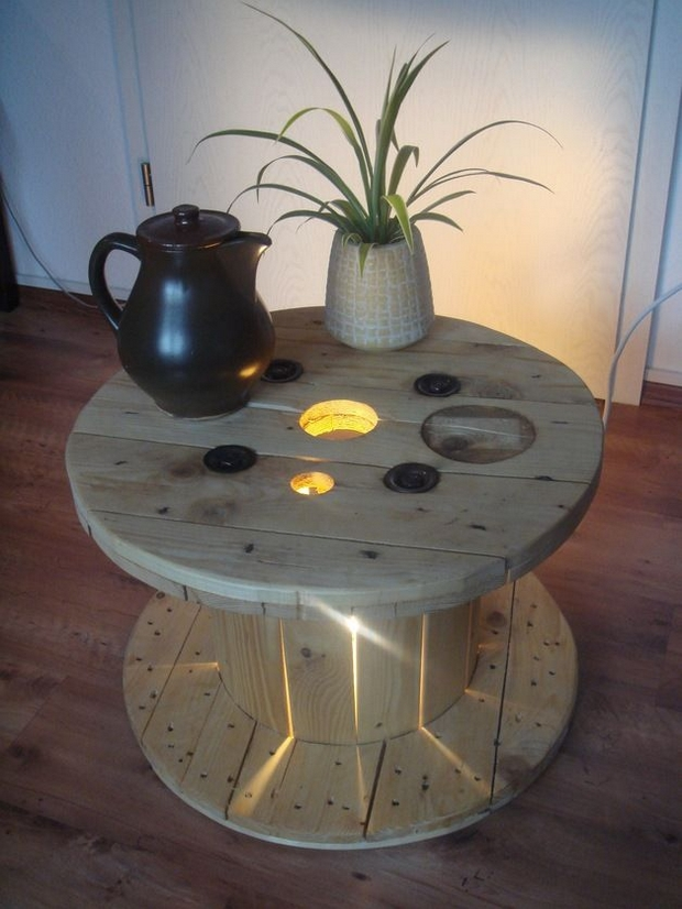 electrical spool table tea pot flower decorated upcycling diy