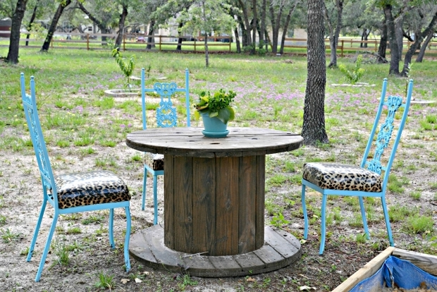 spool end coffee table flower centerpiece garden diy decoration