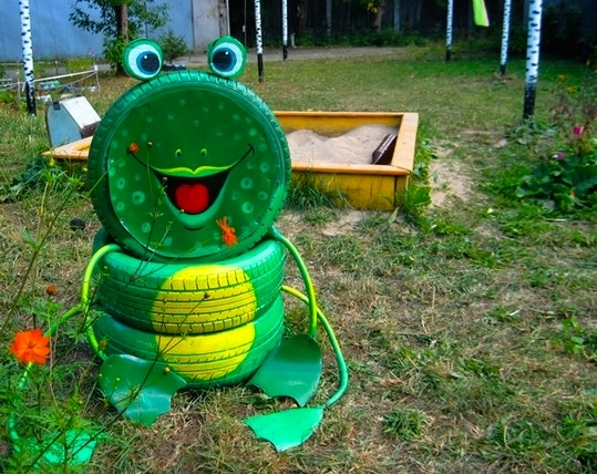 Tire recycling ideas creative diy tire frog playground kid idea green colour tire garden smile project