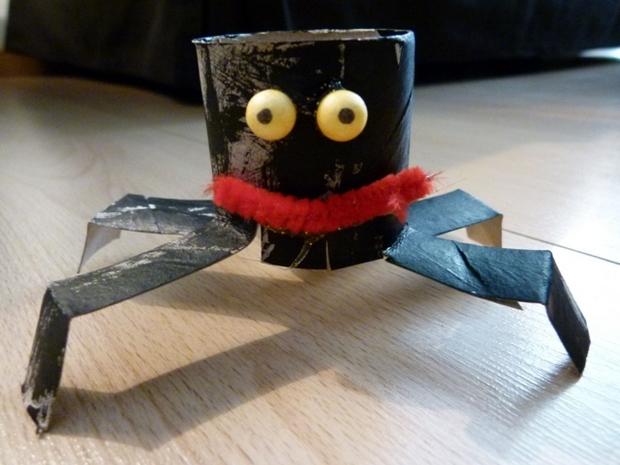kid crafts helloween toilet paper rolls black spider home decoration ideas