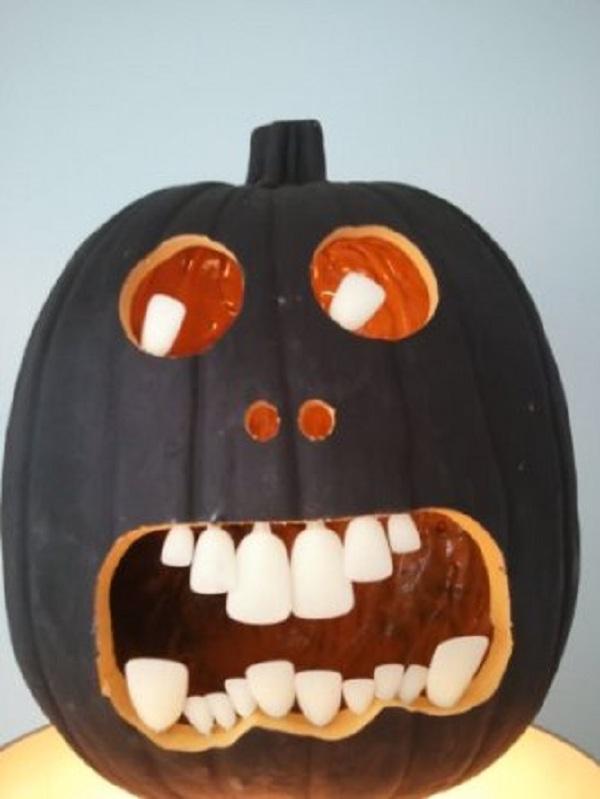 diy halloween carving pumpkin teeth idea for indoor decoration