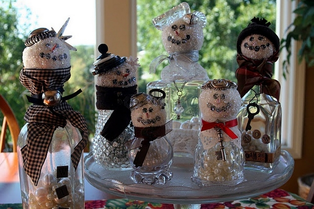 handmade christmas crafts reuse old glass bottles snowmen decorating ideas