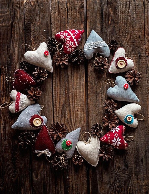 vintage homemade door wreath christmas unique upcycling ideas