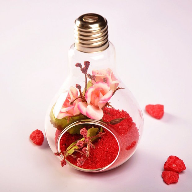 recycling valentines day gift idea for girlfriend diy st valentines day romantic old bulb glittered effect