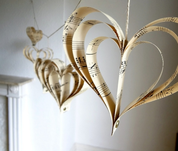 valentines day decorations diy heart shape paper cutout music notes paper hanging garland upcycling ideas