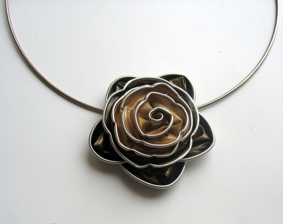 Upcycling nespresso capsules diy necklaces with flower accessories