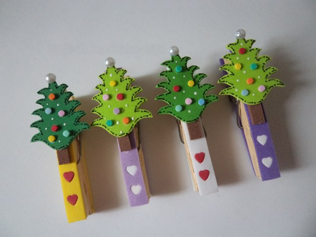 christmas ornaments clothespins tree decorated colorful hearts decor ideas