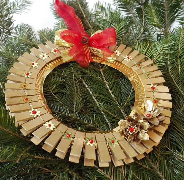 Christmas Ornaments with Clothespins  28 Upcycled Ideas