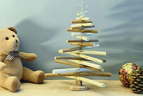 alternative christmas wooden tree reused craft pieces handmade diy decorating idea