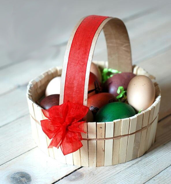 Easter egg decorating ideas using recycled materials easter egg decorating ideas using clothes pins diy basket red ribbon amazing decor negle Image collections