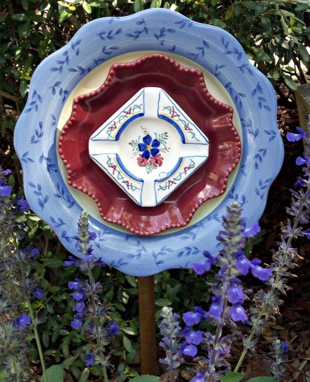 garden glass flowers blue ceramic plates outdoor diy creative project