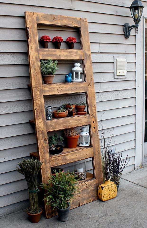 Recycling Old Wooden Doors Outdoor Flower Pots Shelves Creative Backyard  Idea