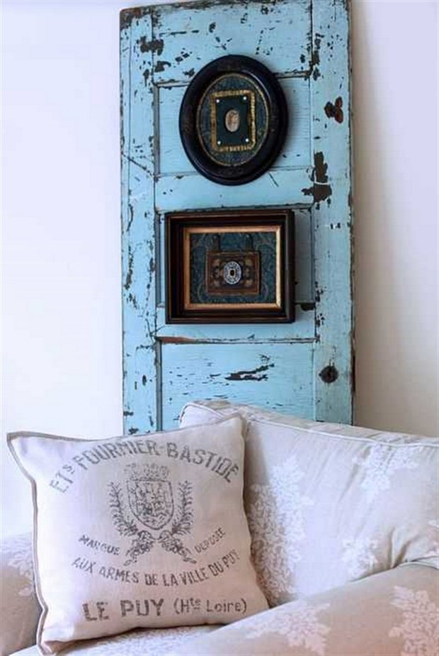 Wooden Gate Wall Decor : Recycling old wooden doors and windows for home decor