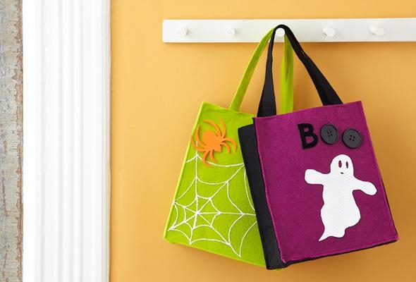 halloween goody bag ideas green spider web black purple fabric bags hanging wall hander