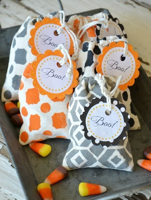 halloween goody bag idea recycled fabric easy made candy bags