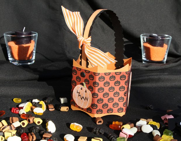 halloween goody bag idea recycled paper candy box pumpkin prints