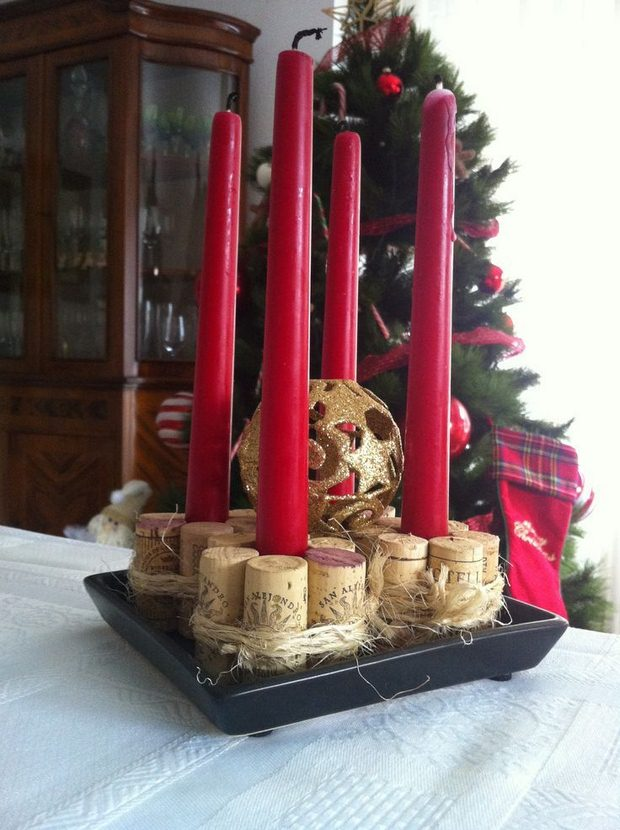 upcycled wine cork christmas craft centerpiece red candlestick decor ideas
