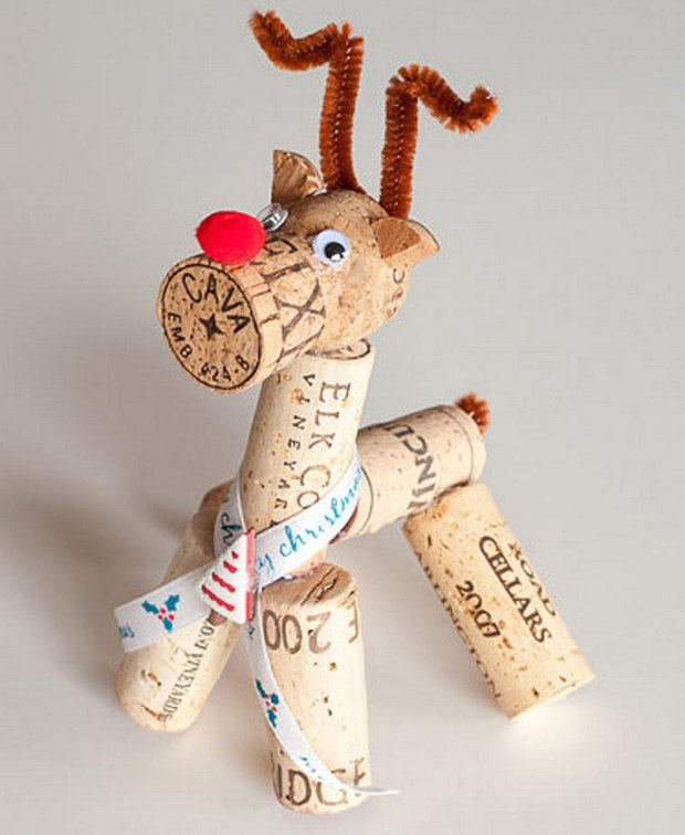 wine cork christmas crafts handmade red nosed reindeer googly eyes home decoration