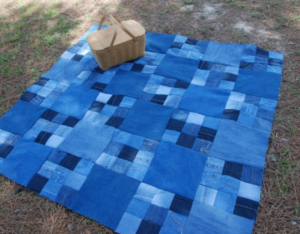 reuse old jeans denim quilt picnic blanket outdoor idea