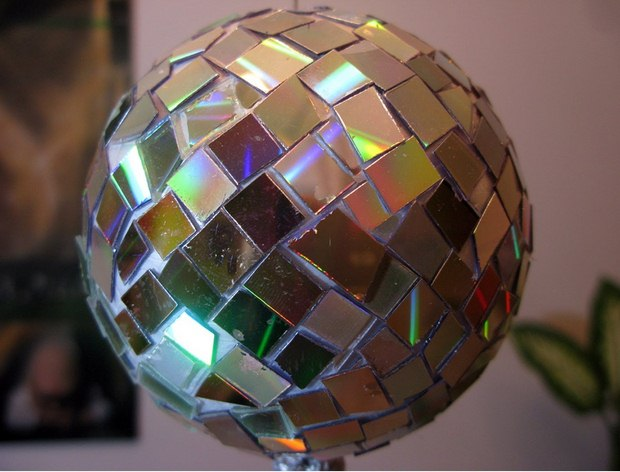 cd crafts reflective ball diy kids reuse broken discs