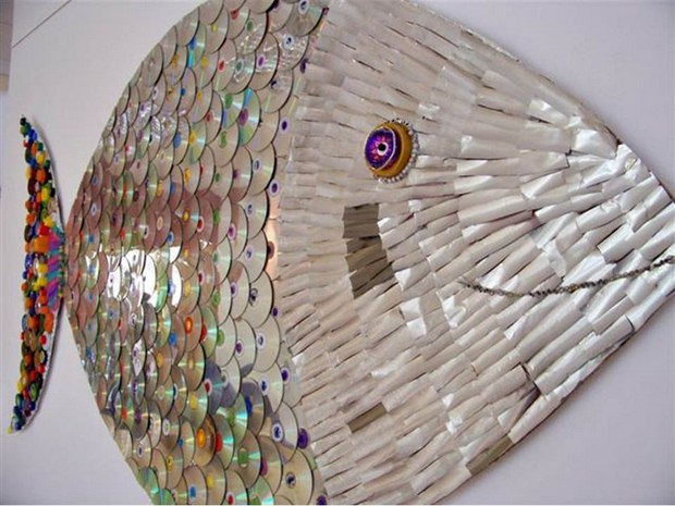 cd craft wall mounted fish recycle broken discs creative decoration idea