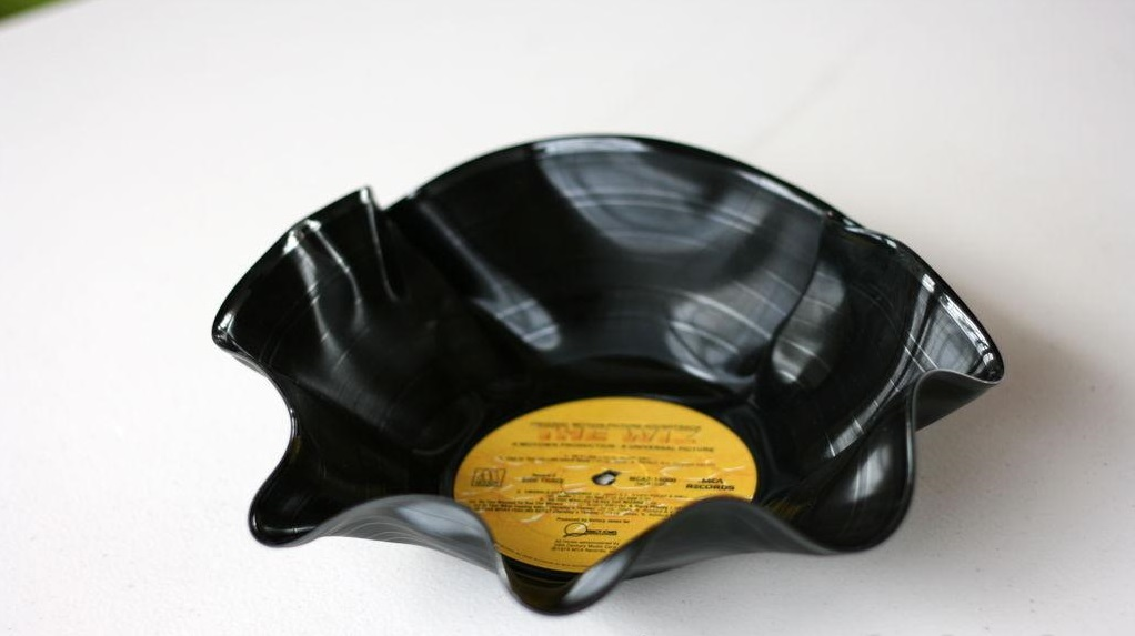 recycling vinyl records melted bent fruit bowl home craft idea