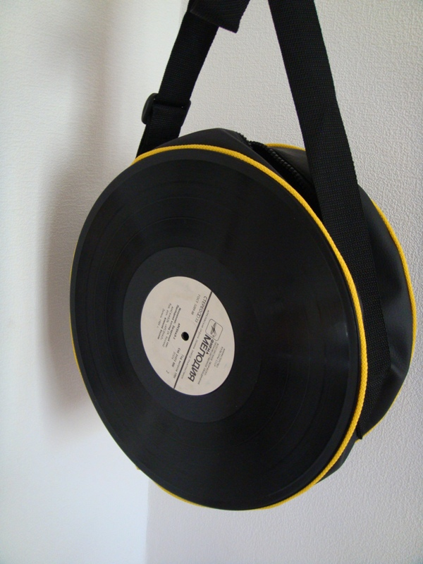 recycling vinyl records lady bag creative retro fashion accessory idea