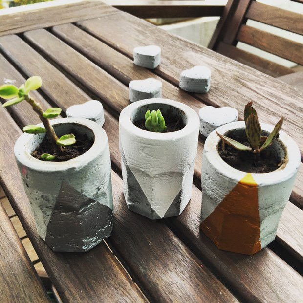 concrete diy projects succulent pots table centerpieces