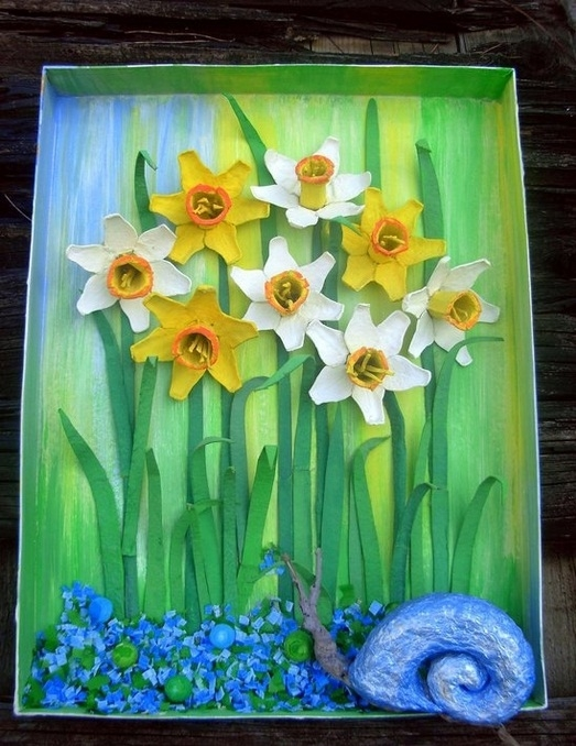 Easter egg carton craft ideas reuse painting flowers daffodil kids snail green