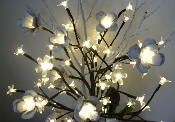 egg carton flowers lights chain upcycling ideas