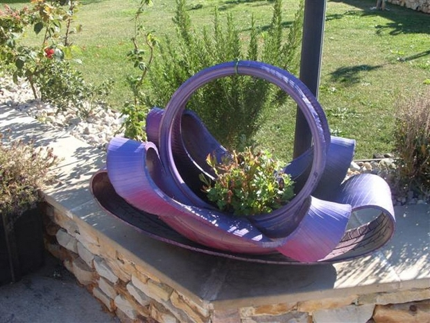 garden ways to reuse old tires art idea purple paint flower planter