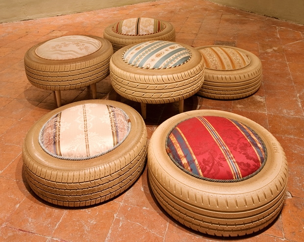 reuse tires garden furniture poufs stools upcycling ideas