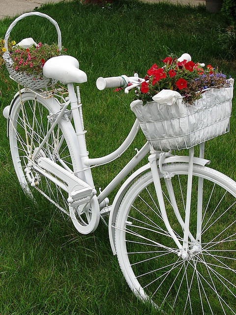 creative garden ideas reuse old white bicycle flower stand