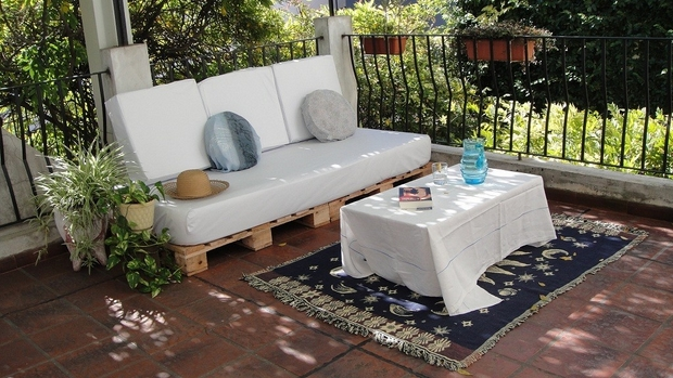 outdoor recycle pallet furniture ideas white cushion decorated metal fence