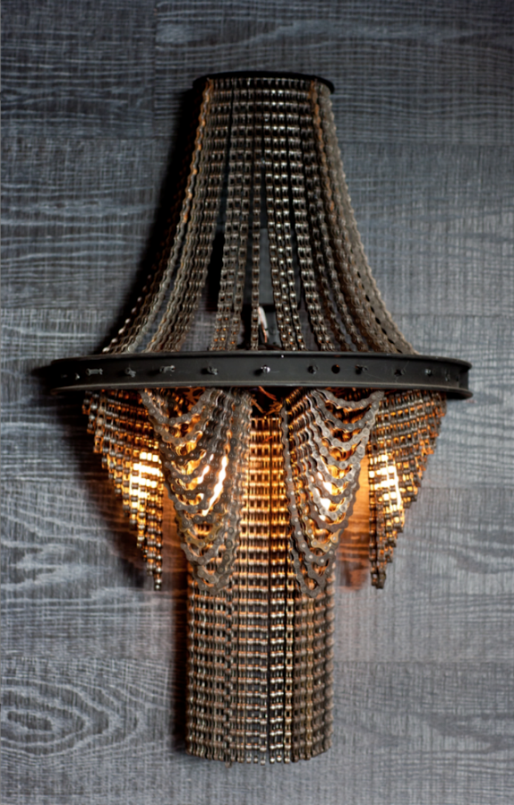 Upcycled bike chain wall lamp art idea