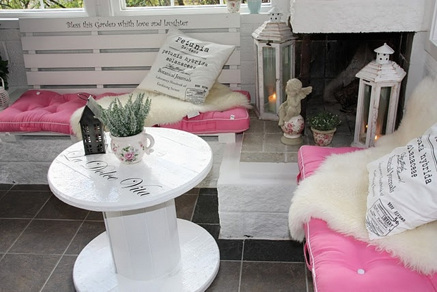 wooden cable spool table pallet bench pink cushion garden decoration