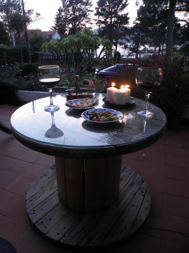 rope spool garden table glass top backyard upcycling decoration