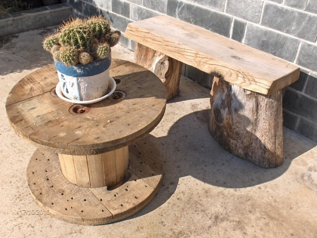 wooden wire spool table upcycling diy cactus centerpiece wooden bench