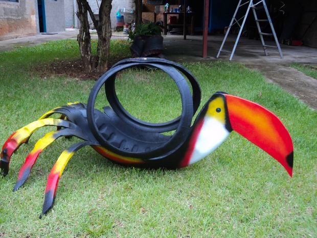 Tire recycling ideas toucan colourful bird made of used tires parrot garden diy project