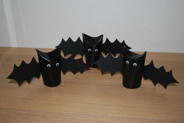 reuse paper roll halloween diy black bats kids home decoration ideas