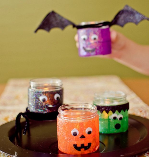 homemade Halloween decor best upcycled empty jugs scary bats ideas