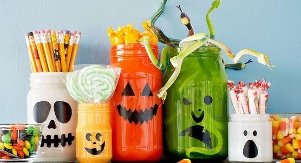 homemade-Halloween-decor-upcycled-empty-milk-jug-luminaries-creative-diy-decoration-ideas