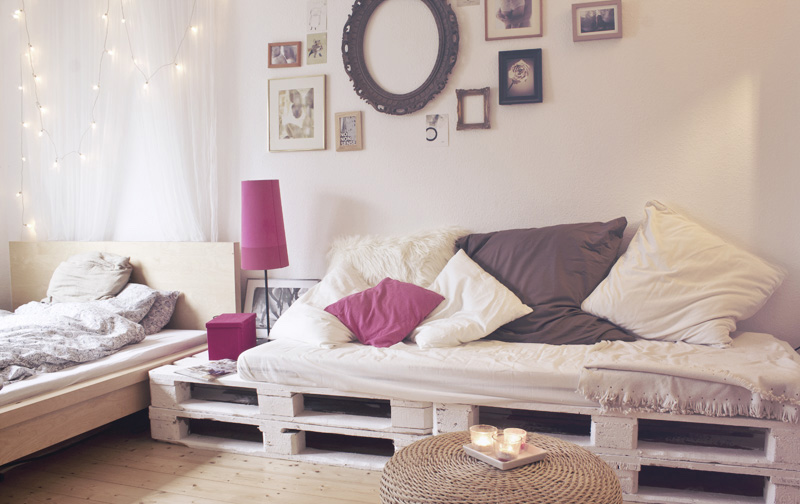 pallet bed frame diy cheap design pallets sofa furniture pink bedside lamp shabby chic paintings